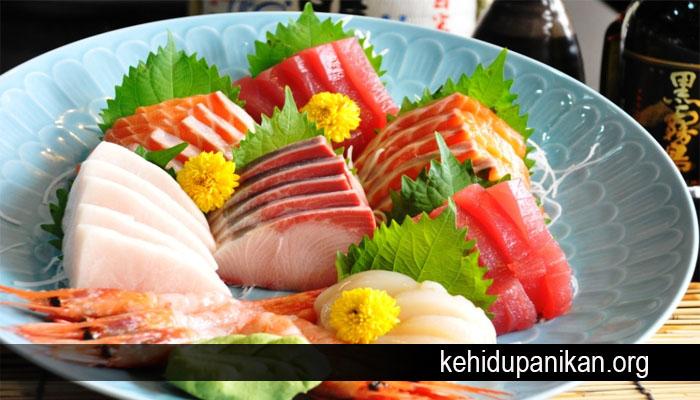 Jangan Sembarang Makan Sashimi Walau Menyehatkan